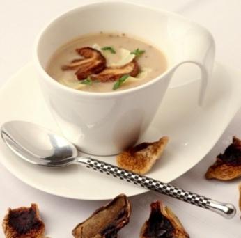 Houbová krémová polévka s nudlemi